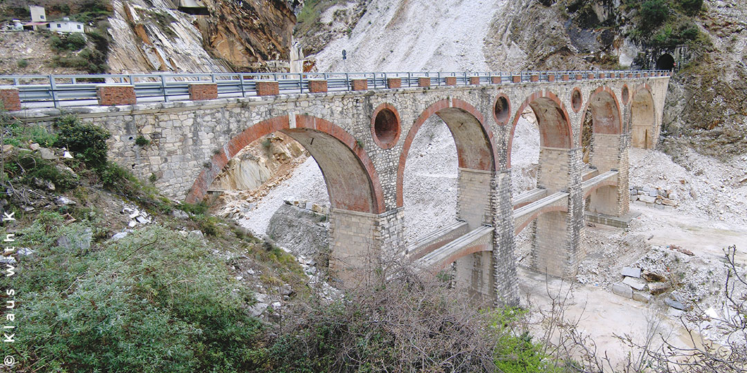 Toskana Urlaub Hügel der Versilia
