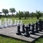 Schachspiel im Garten